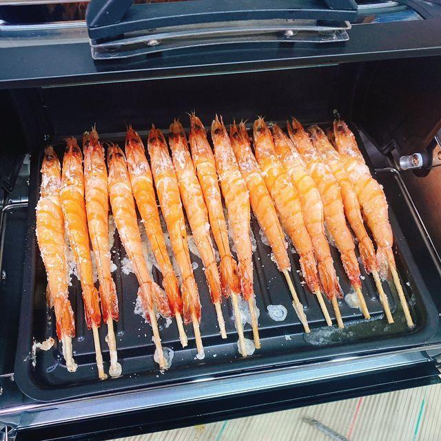 FREEROLL翻轉烤箱 料理:蝦子