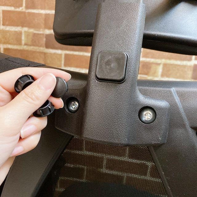Future Lab 7D人體工學躺椅組裝過程 螺絲蓋