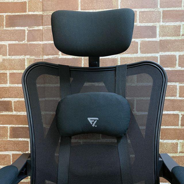 Future Lab 7D人體工學躺椅組裝過程 頸枕