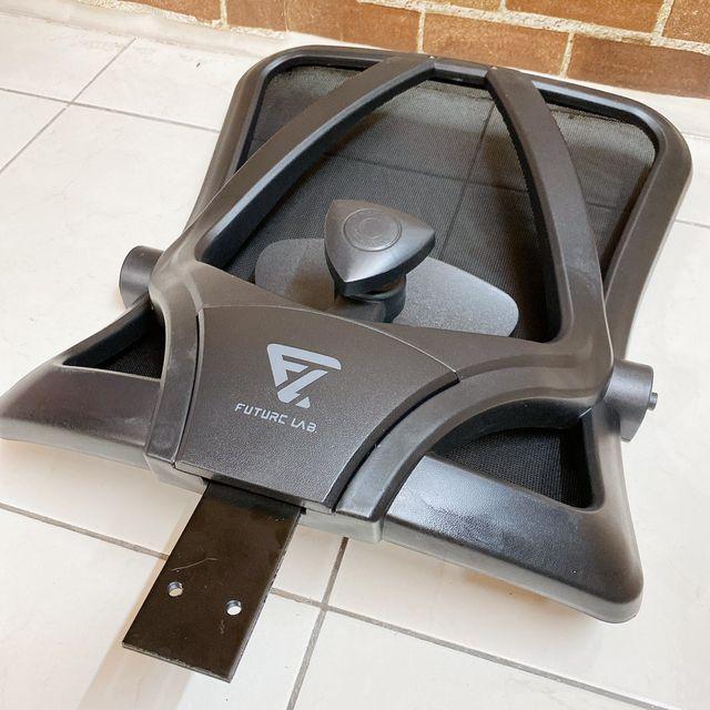 Future Lab 7D人體工學躺椅組裝 裝飾蓋